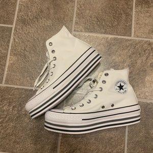 Converse ChuckTaylor AllStar Lift Platform Sneaker